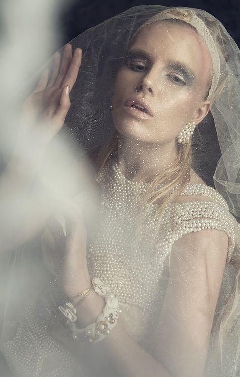 photo: Anna Zyskowska<br /> model: Magdalena Roman